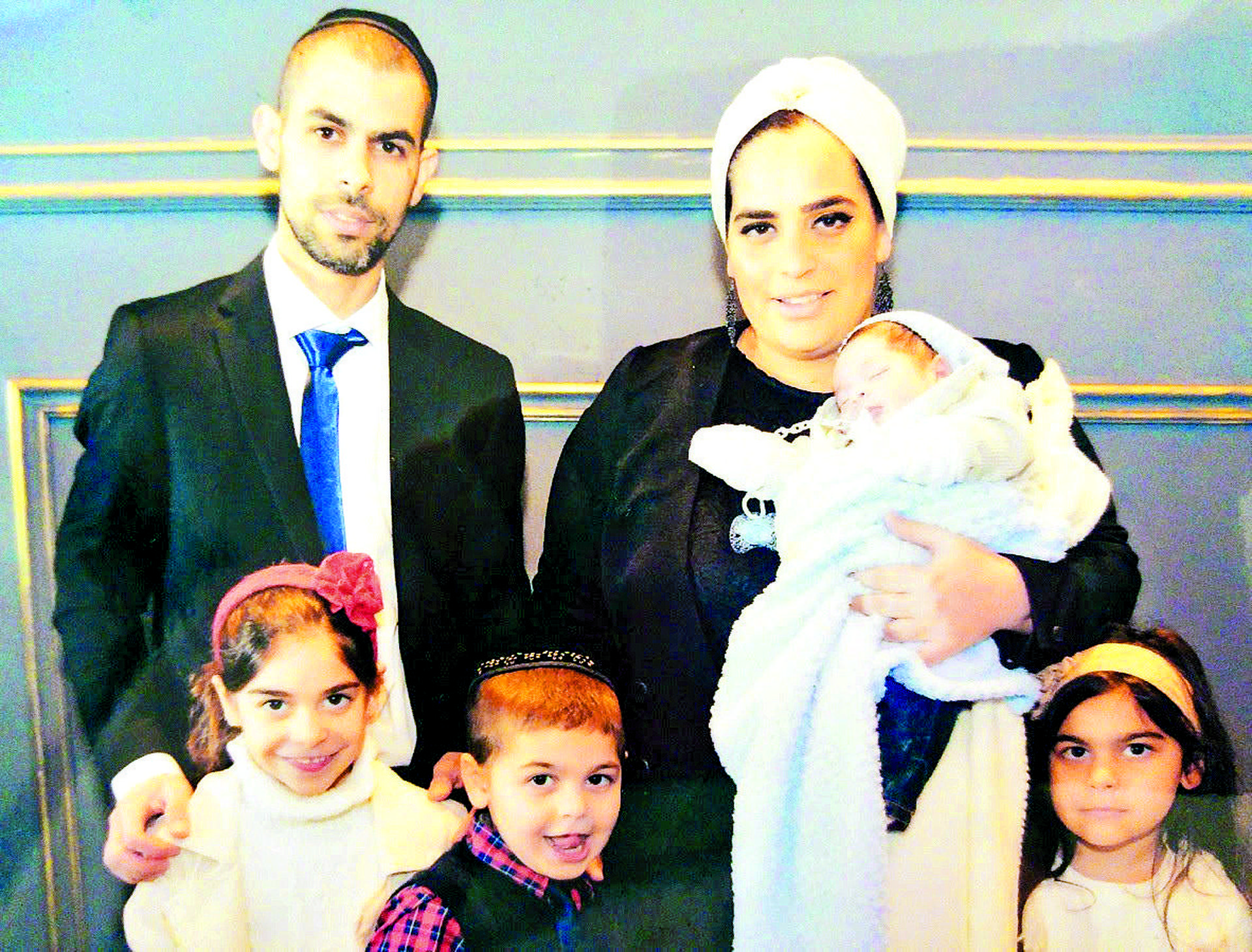עם בעלה שגיא וארבעת ילדיהם | צילום: מהאלבום המשפחתי