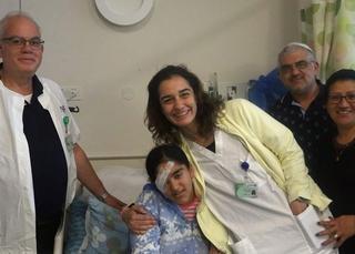 הודיה עם משפחתה לאחר הניתוח | צילום: דוברות בית החולים קפלן